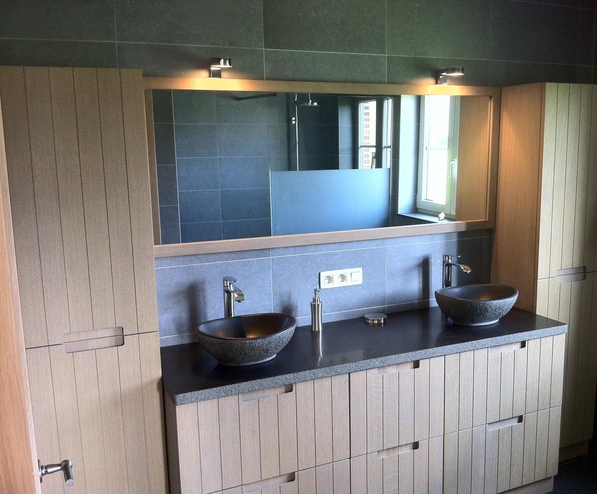 Badkamer Meubel Landelijk : Sleutel op de deur klassiek badkamermeubel bouwatelier bvba